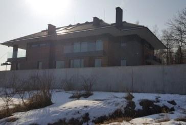 Ексклузивни кадри от луксозната къща на Бербатов, камери дебнат за бандити