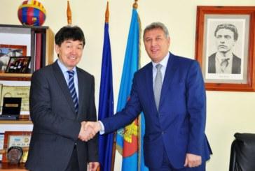 Кметът на Община Разлог инж. Красимир Герчев прие посланикът на Казахстан