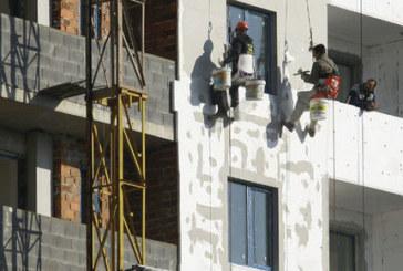 Още три блока в Петрич ще бъдат санирани до края на летния сезон