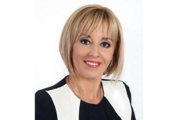 Омбудсманът Мая Манолова се среща в 16.00 часа с протестиращите шивачки в Дупница