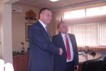 Новият областен управител на Благоевград седна в губернаторския стол