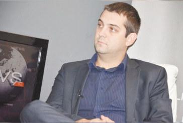 32-г. софиянец Д. Делчев води листата на Реформаторския блок в Благоевград, лидерите на СДС Д. Димитров и Д. Сукалински се отказаха в полза на ексдепутата Борислав Миланов