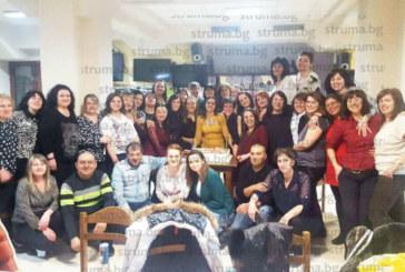 """Дамите от """"Пирински наниз"""" честваха трети рожден ден на танцовия клуб"""