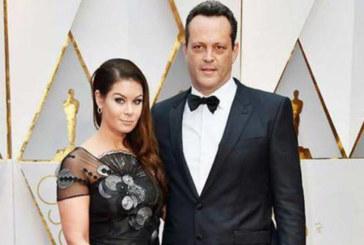 Съпругата на Винс Вон блесна на Оскарите с рокля на български дизайнерки