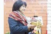 """Дама грабна приза """"Майстор на бялото вино"""" в Разлог, двойки от различни поколения се състезаваха в забавни игри"""