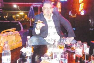 Собственикът на уиски бар Л. Яначков: Преди 6 г. на месец връщах по 15 мераклии за работа, сега по 12 часа обслужвам клиентите сам, няма качествени кадри за бранша, късам с бизнеса
