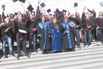 """164 абсолвенти от първия випуск на Техническия факултет в ЮЗУ се дипломираха с мотото: """"Терминал 2 не е изходът"""""""