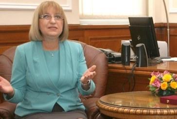 Студен душ за Цецка Цачева, остава вън от парламента!?