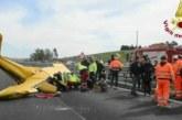 Самолет се разби на магистрала в Италия, има загинал