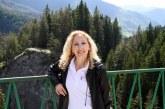 """Шефът на информационно обслужване Ив. Дебелушкин изненада пиарката на община Разлог А. Дункина с годежен пръстен, тя каза """"да"""""""