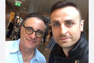 КАТО ДВЕ КАПКИ ВОДА! Бербо срещна двойника си Анди Гарсия на летище