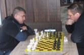 Бивш шеф на пожарната в Благоевград №1 по ускорен шах, строителен бос с атрактивна награда