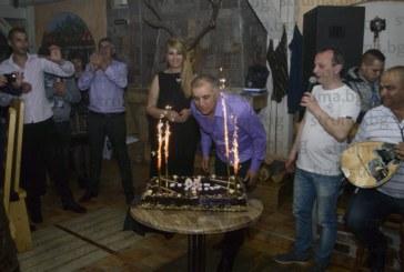 Единственият трезвеник сред благоевградските сервитьори – доайенът Трифон Божиков, чукна 50 г.
