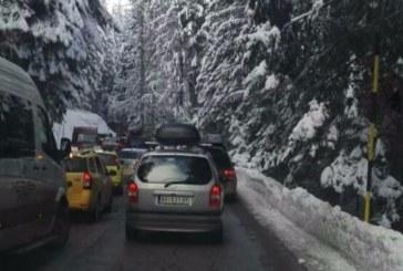 Проверки блокираха движението по пътя към ски зоната в Банско
