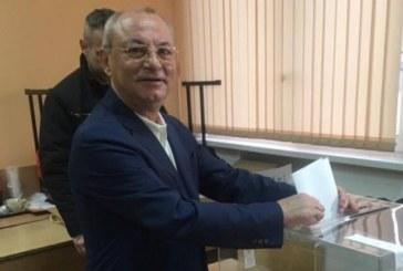 Ахмед Доган гласува на парламентарните избори