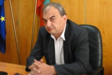 Бишият шеф на полицията в Перник демонстративно изхвърли всичките си ордени