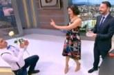 Смях в ефир! Сашо Кадиев падна на колене на Деси Стоянова, подари й чуждо цвете