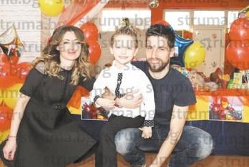 Железният човек на партито за рождения ден на 5-г. Михаел от Дупница