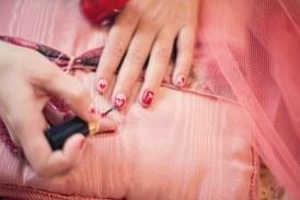 Лакът за нокти е по-опасен, отколкото си мислите! Ето какво се случва с тялото ви 10 часа след лакирането