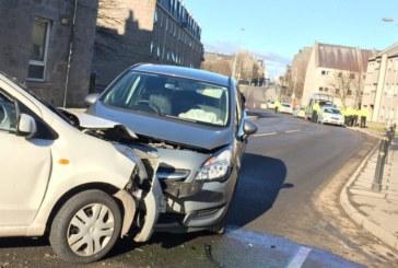 Верижна катастрофа край Сандански! Три автомобила затапиха движението, единият в канавката