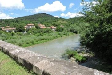 Жестоко убийство потресе България! Изхвърлиха тялото на жертвата в реката