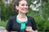 Модният специалист, преподавател в ЮЗУ, ас. Елена Благова: Рокля или панталон, важното е тоалетът за бала да бъде удобен, за да изживеят абитуриентите пълноценно емоциите