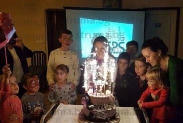 Родената в Италия Елена празнува 11-и рожден ден в Рила, леля й я изненада с парти и ефектна торта