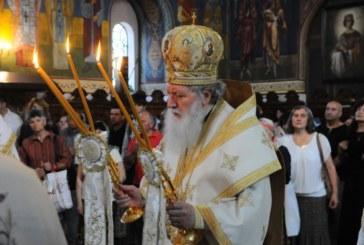Патриарх Неофит: Възкресение Христово ни вдъхновява за добри дела