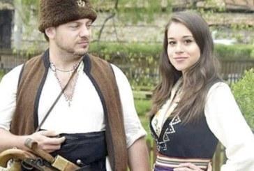 Истинска българска сватба, на която всеки може да дойде, атакува Гинес с тава за 2 тона мезета