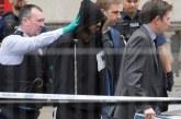 Мъж с два ножа е арестуван пред резиденцията на Тереза Мей
