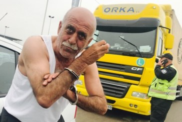 Пиян шофьор на турски тир за малко да прегази полицаи, опитал и да ги подкупи