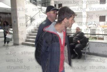 Нападателите на 21-г. студентка в Благоевград се скараха в съдебната зала, остават в ареста