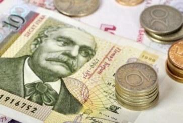 Най-голямата верига магазини в България обяви шоково: 1000 лева стартово за касиерки! Догодина 1350