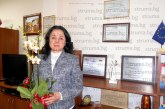 Благоевградската съдийка Емилия Дончева получи екзотично цвете за рождения си ден