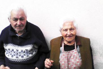Моделът на Майстора, 94-г. баба Миланка, сее лехи със зеленчуци и през лятото и есента дарява плодовете на своя труд на близки и съседи