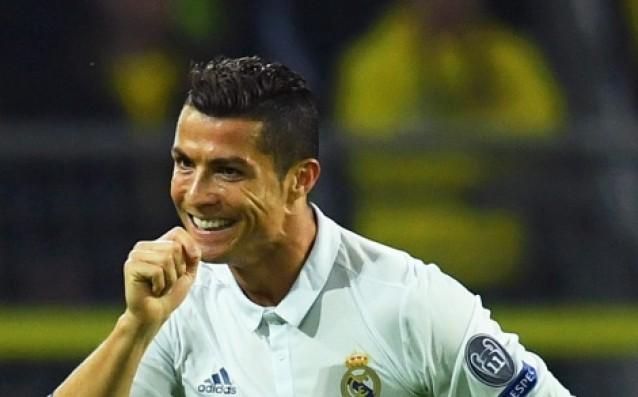 Роналдо се пусна гол в нета (СНИМКИ)