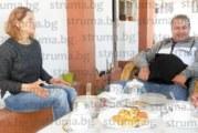 На гости у Гойо от Испания и жена му Таня в Крупник! Грегорио де ла Фуенте: В България е спокойно и красиво, но шофьорите са ужасни, липсват ми хлябът от Памплона и морската храна