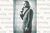 """Актьорът Иван Юруков от Сандански разкри пред """"Струма"""": Като войник отмъкнах димка, за да впечатля брат ми, пуснах я в мазето, а майка ми помисли, че къщата гори"""