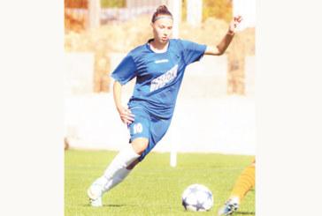 """Футболистка на """"Спортика"""" вкара гол от 40 метра, две тийнейджърки от Благоевград на лагер с националките"""