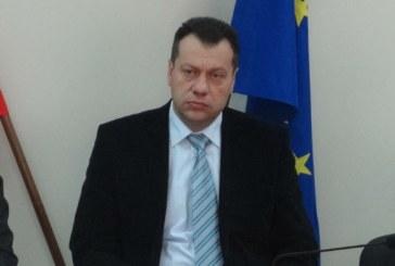 Губернаторът Бисер Михайлов на крак при протестиращите на Кулата