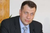 Точно в 15 ч. Бисер Михайлов сяда в губернаторския стол
