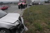 """Кола се заби в мантинела на АМ """"Струма"""" на изхода на Благоевград"""