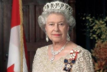 Лъсна най-яростно пазената тайна на кралицата! Оказва се, че Елизабет обича още от ранни зори да си