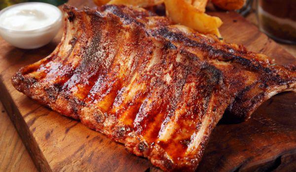 Свински ребра с барбекю сос на фурна