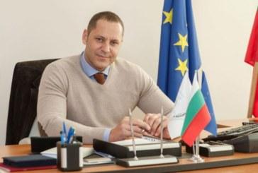 След Ал. Манолев спрягат и рефера депутат Ст. Апостолов за държавен пост