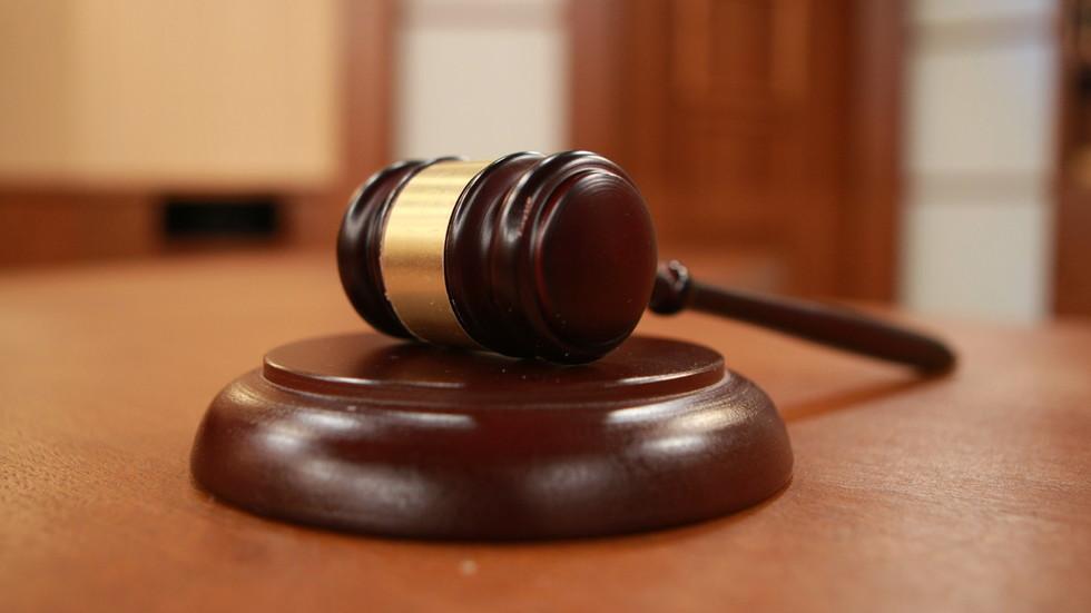 Обвиниха 7 души в рекет, отвличания, побои и разпространение на наркотици