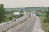 Камион с месо се обърна на магистралата
