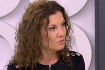Миролюба Бенатова изригна във Фейсбук: Шегаджи и сеирджии, които винаги са готови да не подадат ръка на паднала жена