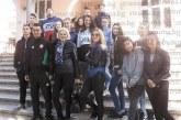 """Халфът на """"Пирин"""" и националния отбор М. Стефанов почерпи съучениците си от 10 """"в"""" на НХГ за имен ден, с брат му близнак Кирил празнуват на купон с приятели"""