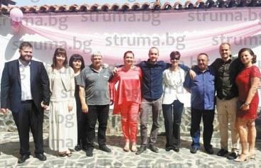 Синът на директорката на Неврокопската гимназия М. Георгиева – Борис, и приятелката му Дани се ожениха на сватба със 150 гости